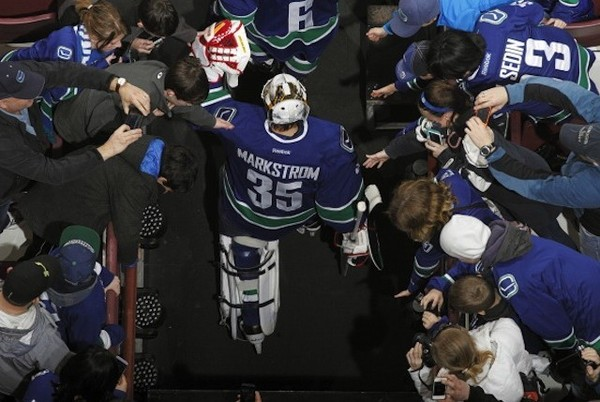 477366239-newly-acquired-jacob-markstrom-of-the-gettyimages-640x429