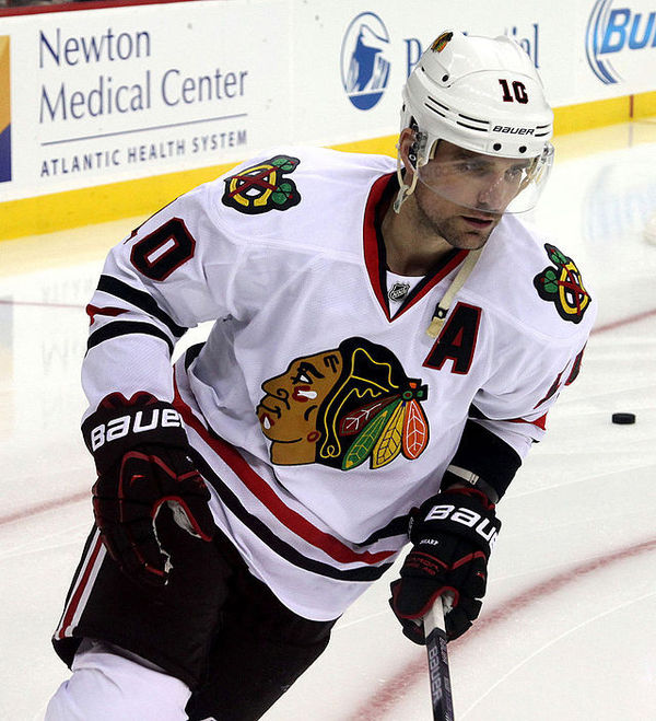 Patrick_Sharp_-_Chicago_Blackhawks