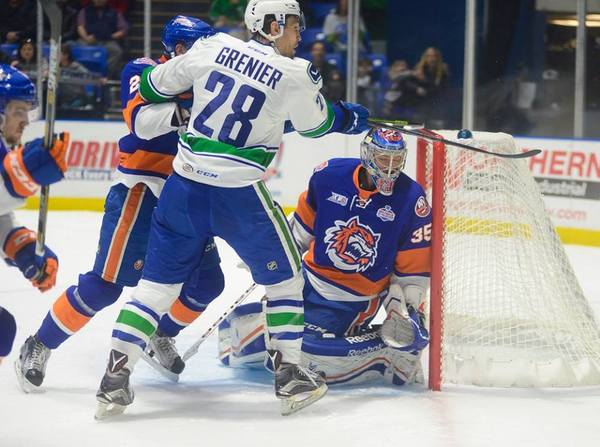 Comets vs Sound Tigers (21-Nov-15)