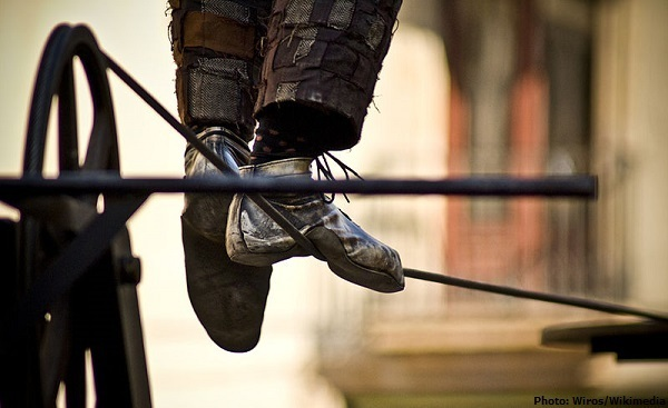 800px-Tightrope_walking